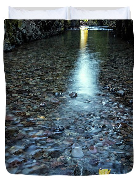 Duvet Cover featuring the photograph Hanging On by Pierre Leclerc Photography