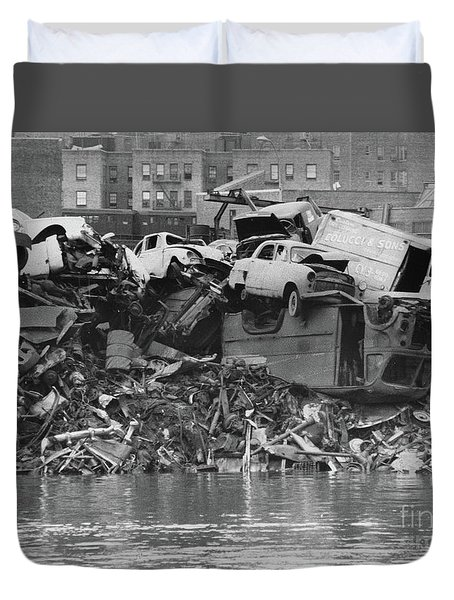 Harlem River Junkyard, 1967 Duvet Cover