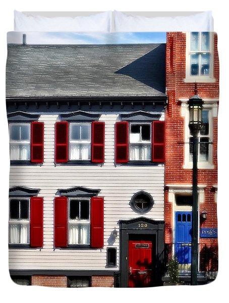 Harrisburg Pa - Roses On State Street Duvet Cover