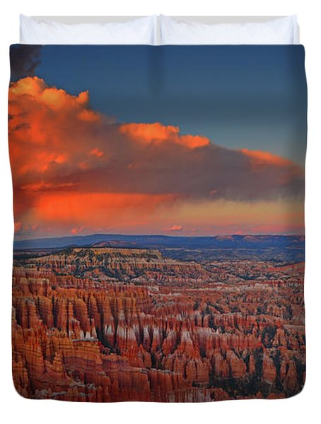 Harvest Moon Over Bryce National Park Duvet Cover