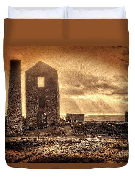 Haunted Britain - Magpie Mine Duvet Cover