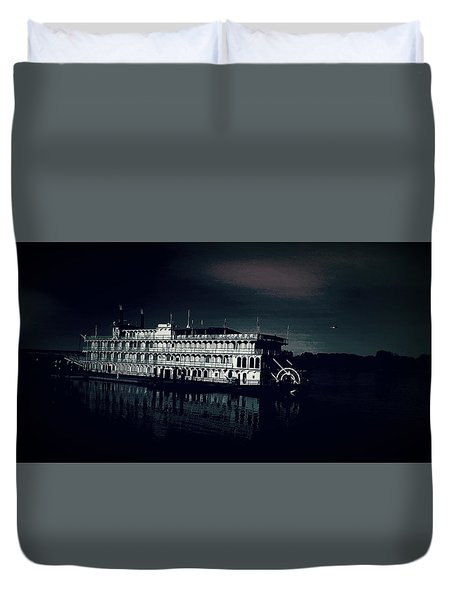 Haunted Dinner Cruise On The Columbia River  Duvet Cover