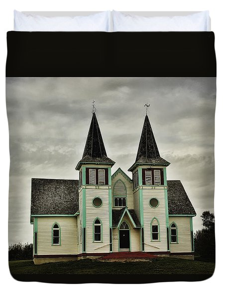 Duvet Cover featuring the photograph Haunted Kipling Church by Ryan Crouse