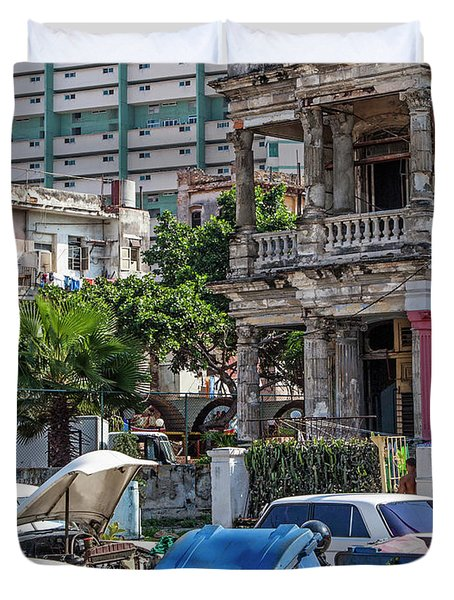 Duvet Cover featuring the photograph Havana Cuba by Charles Harden