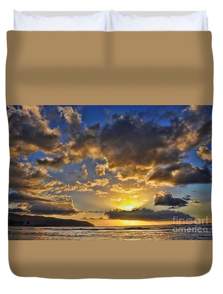 Duvet Cover featuring the photograph Hawaiian Sunset by Gina Savage