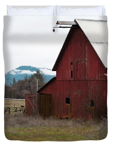 Hayfork Red Barn Duvet Cover