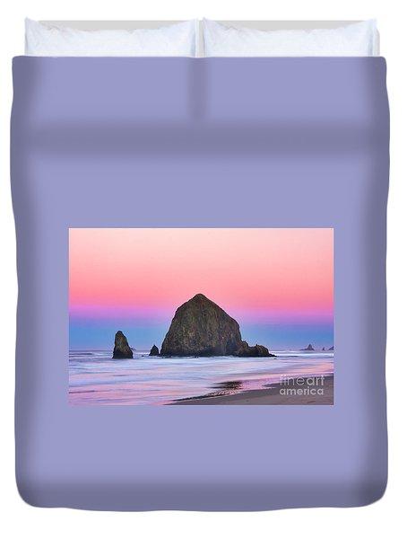 Haystack Rock At Dawn Duvet Cover