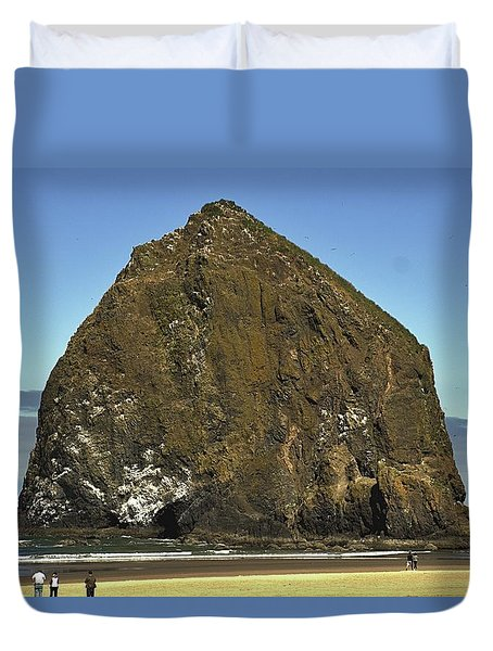 Haystack Rock, Cannon Beach, Or Duvet Cover