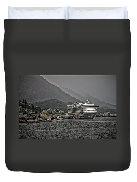 Hazy Day In Paradise  Duvet Cover by Timothy Latta