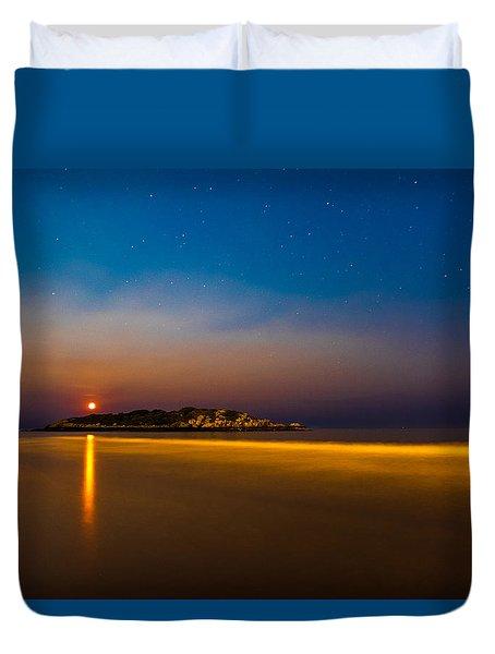 Hazy Moonrise Duvet Cover