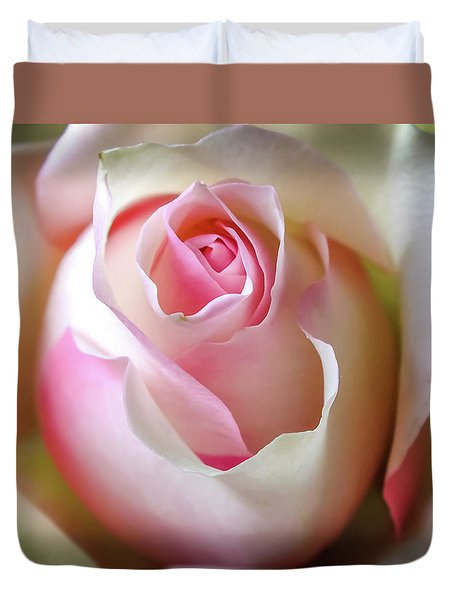 Duvet Cover featuring the photograph He Loves Me Still by Karen Wiles