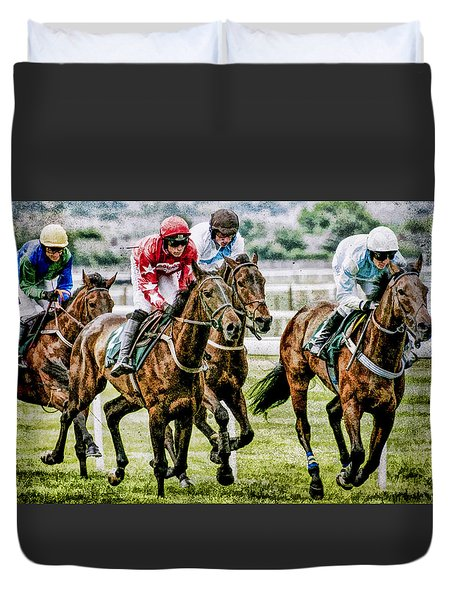 Duvet Cover featuring the photograph Heading For Home by Brian Tarr