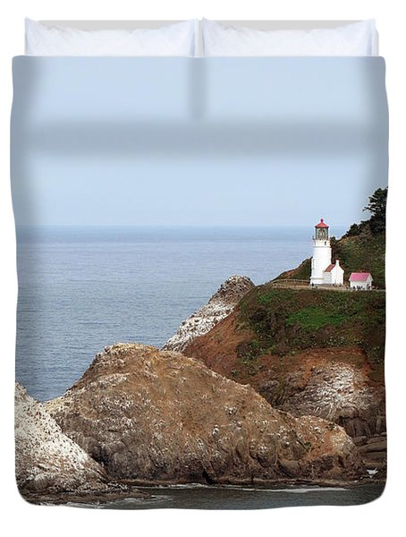 Heceta Head Lighthouse - Oregon's Scenic Pacific Coast Viewpoint Duvet Cover by Christine Till