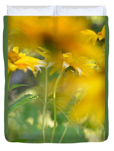 Heliopsis Blur Duvet Cover
