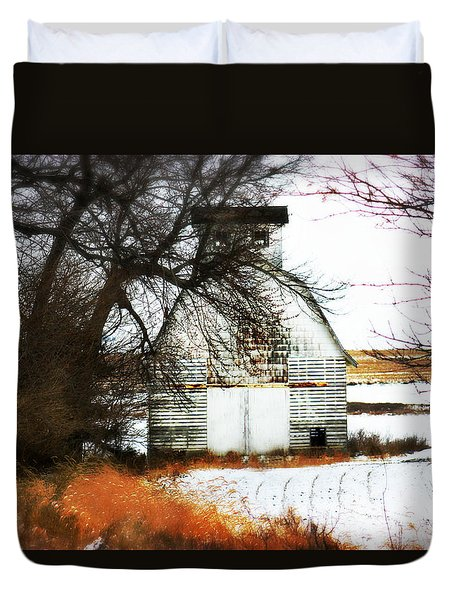 Duvet Cover featuring the photograph Hello There by Julie Hamilton