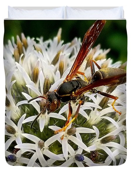 Hello, Wasp Duvet Cover