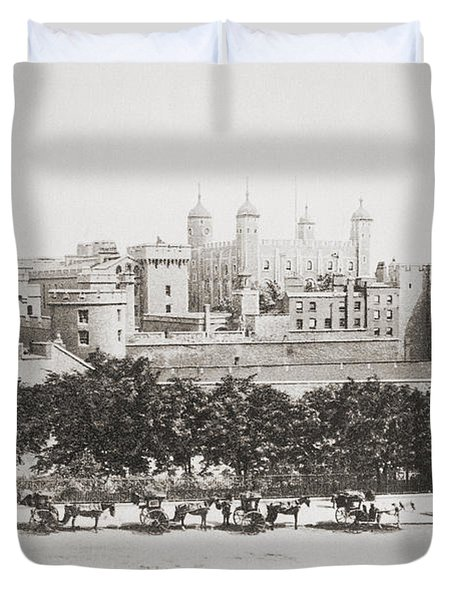 Her Majesty S Royal Palace And Duvet Cover