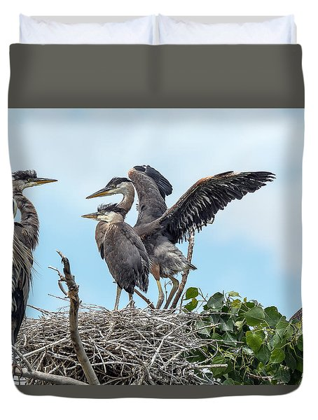 Heron Mom And The Kids Duvet Cover