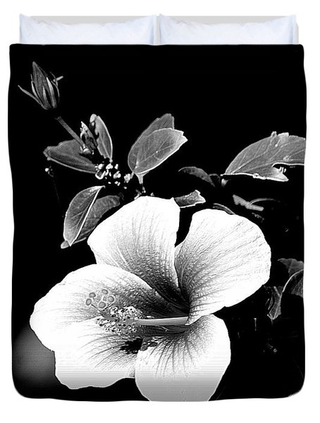 Duvet Cover featuring the photograph Hibiscus In The Dark by Lori Seaman