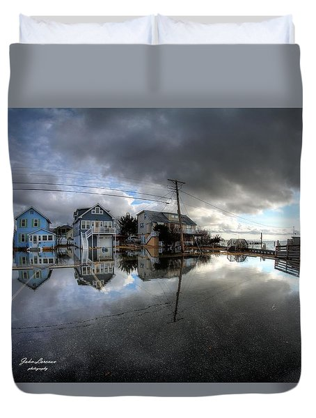 Higbee Flooding Duvet Cover