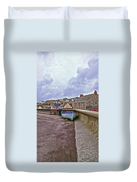 Duvet Cover featuring the photograph High And Dry by Anne Kotan