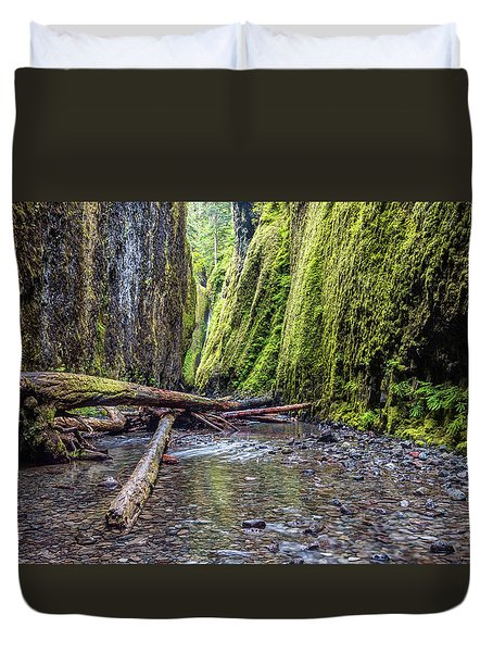 Hiking Oneonta Gorge Duvet Cover