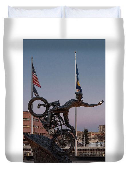Duvet Cover featuring the photograph Hill Climber Catches The Moon by Randy Scherkenbach
