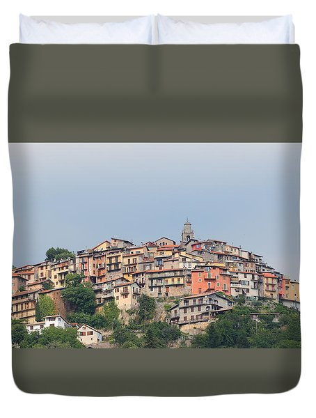 Duvet Cover featuring the photograph Hilltop by Richard Patmore