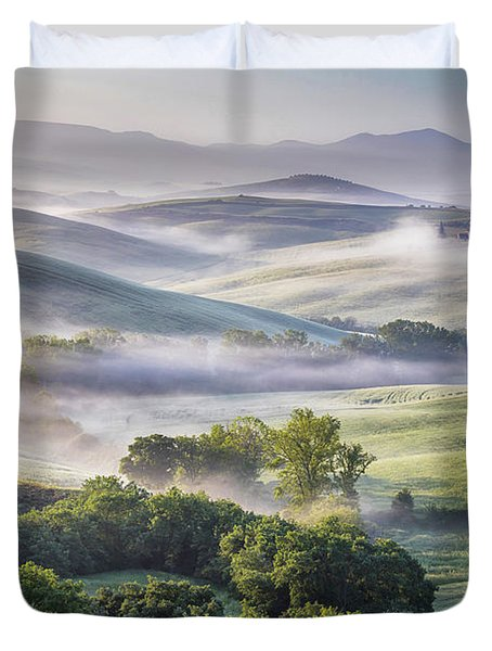 Hilly Tuscany Valley At Morning Duvet Cover by Evgeni Dinev