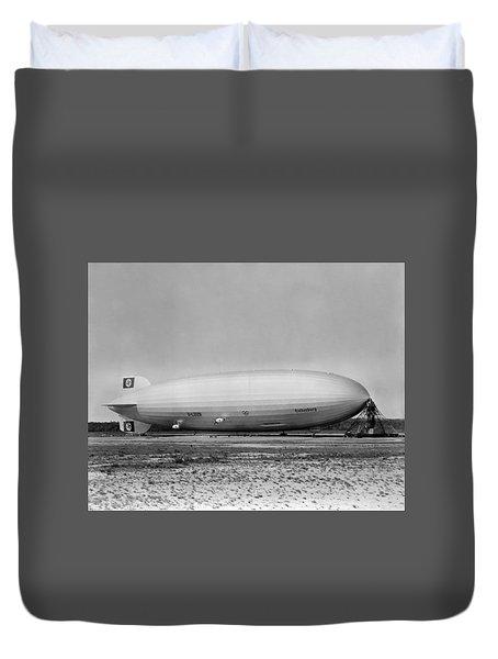 Hindenburg Airship - Lakehurst Field - 1936 Duvet Cover