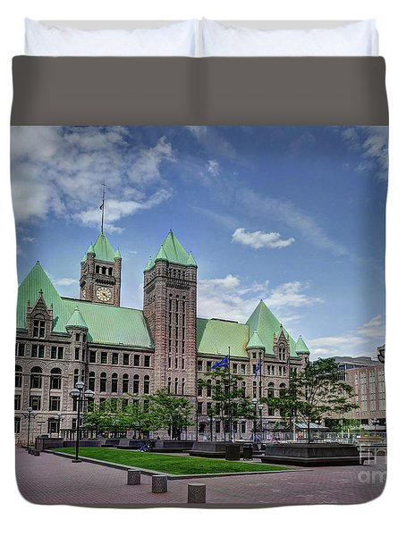 Historic Minneapolis City Hall And Courthouse Spring Afternoon Duvet Cover
