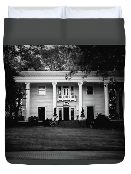 Duvet Cover featuring the photograph Historic Southern Home by Doug Camara