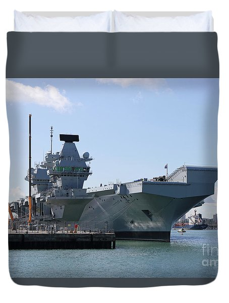Hms Queen Elizabeth Aircraft Carrier At Portmouth Harbour Duvet Cover