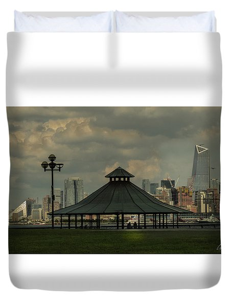 Hoboken, Nj -pier A Park Gazebo Duvet Cover