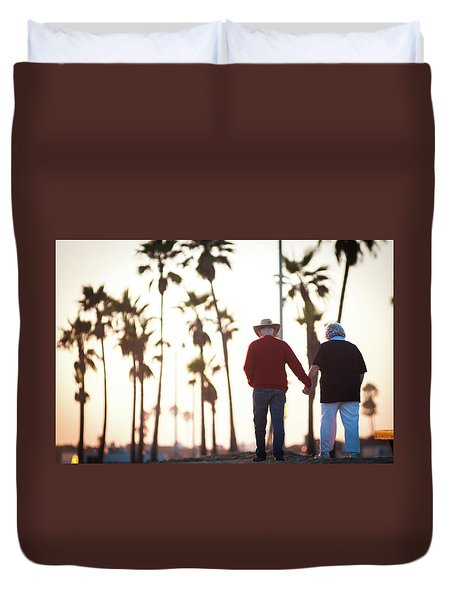 Hold On To Your Love Duvet Cover by Ralph Vazquez