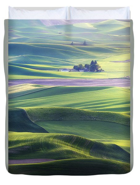Homestead In The Hills Duvet Cover by Ryan Manuel