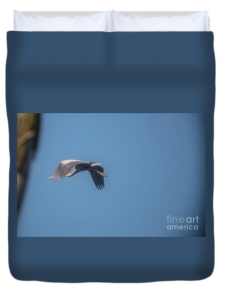 Duvet Cover featuring the photograph Homing Home by David Bearden