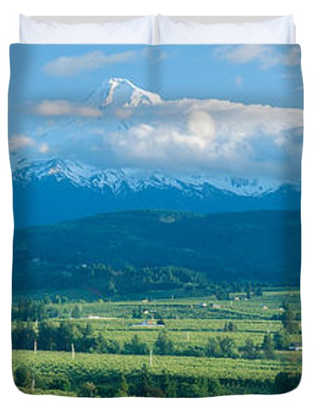 Hood River Valley And Mount Hood, Oregon Duvet Cover