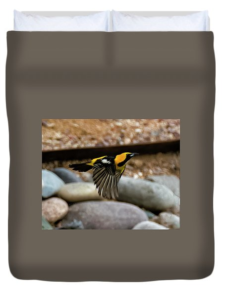 Duvet Cover featuring the photograph Hooded Oriole H37 by Mark Myhaver