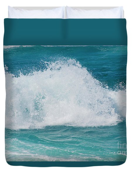 Hookipa Splash Waves Beach Break Shore Break Pacific Ocean Maui  Duvet Cover by Sharon Mau