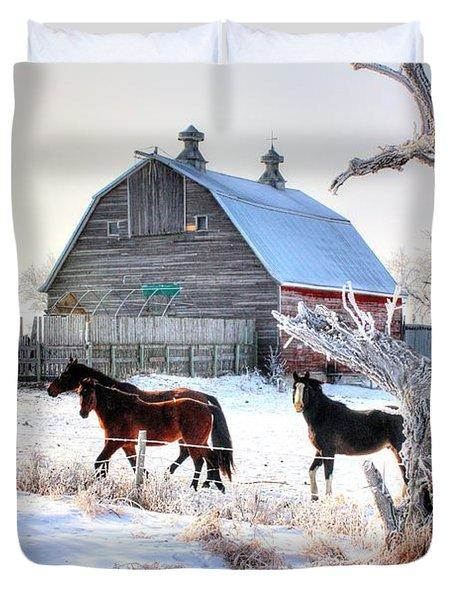 Horses And Barn Duvet Cover