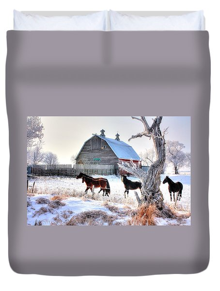 Horses And Barn Duvet Cover