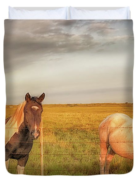 Horses At Kalae Duvet Cover