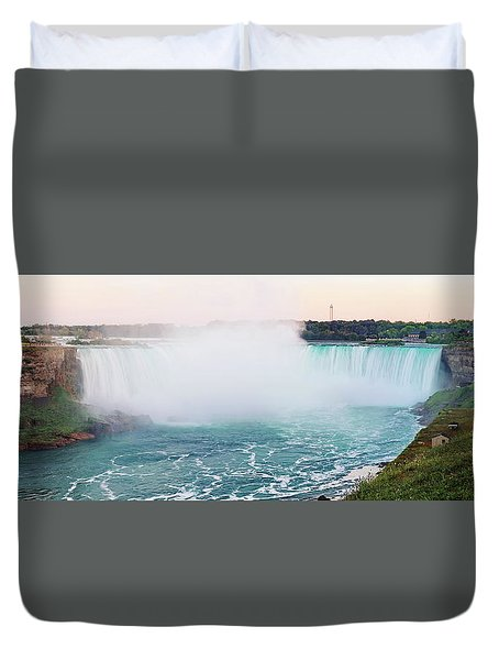 Horseshoe Falls At Dusk Duvet Cover