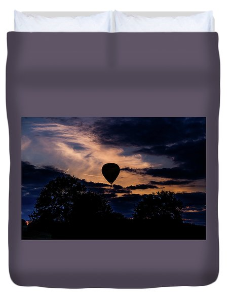 Hot Air Balloon Silhouette At Dusk Duvet Cover