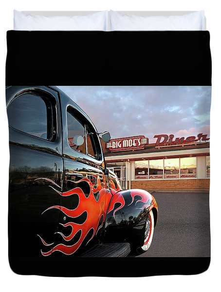 Hot Rod At The Diner At Sunset Duvet Cover