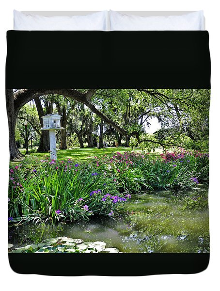 Houmas House Pond Duvet Cover