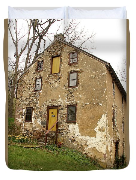 Duvet Cover featuring the photograph House In Pennsylvania by Emanuel Tanjala