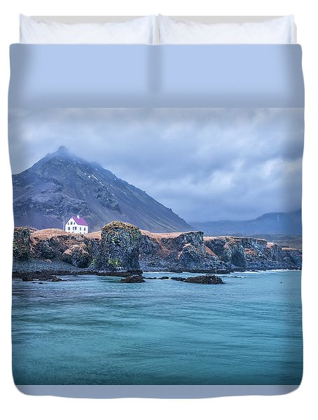 House On Ocean Cliff In Iceland Duvet Cover by Joe Belanger