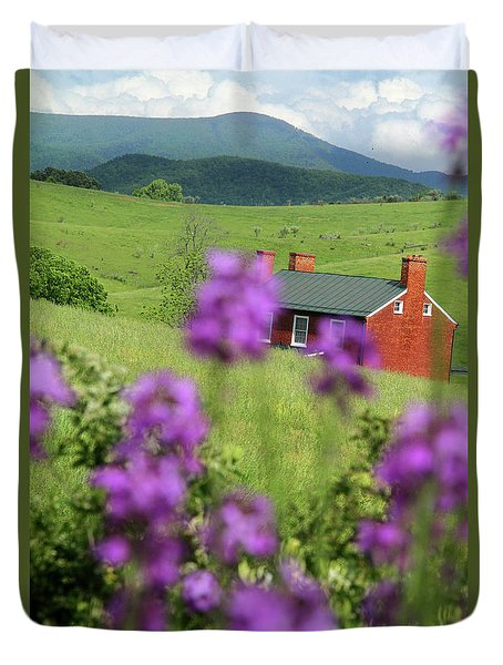 House On Virginia's Hills Duvet Cover